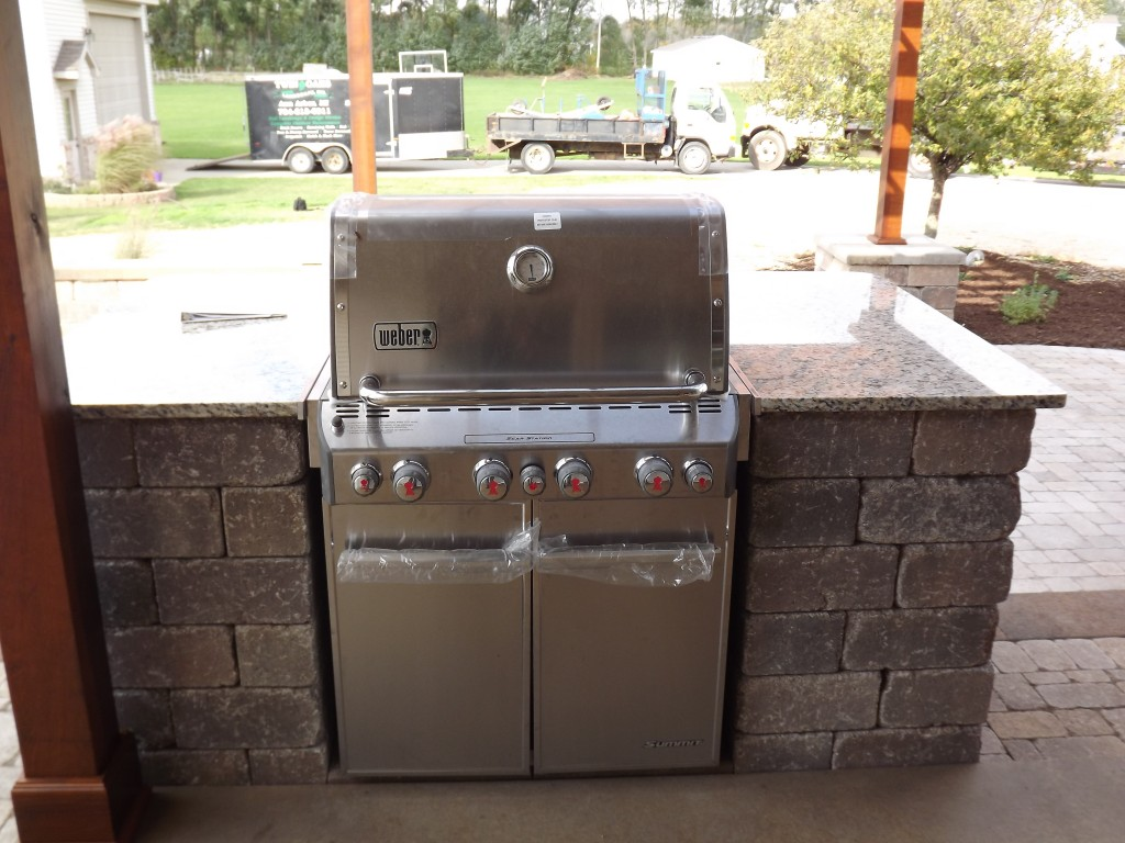 Custom Outdoor Kitchen Grill Space