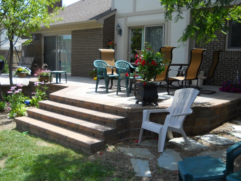 Patio dining with large steps