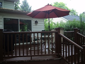 Small deck for grilling and dining