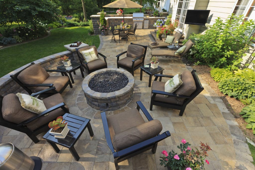 Is An Outdoor Fireplace Or Fire Pit Right For You