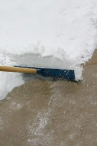 ist2_348151_shoveling_snow