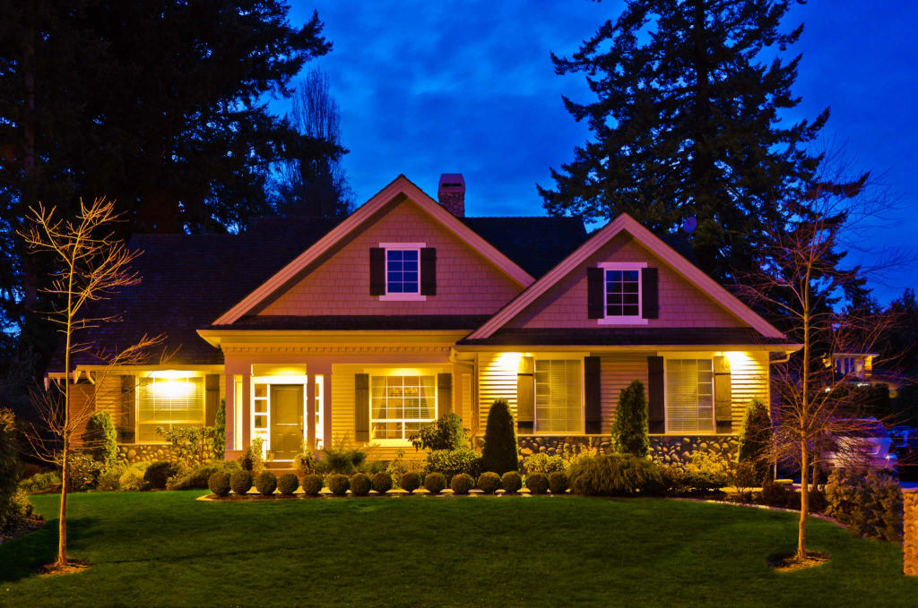Can outdoor lighting improve your toledo oh yard for Luxury outdoor lighting