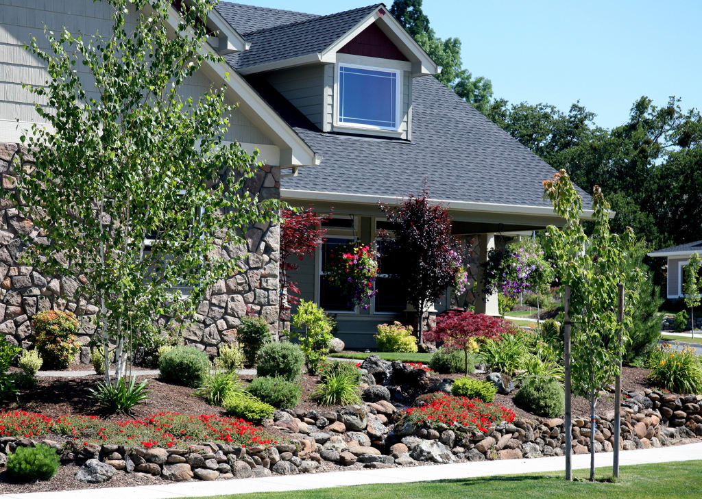 How to most effectively increase your home 39 s curb appeal for Residential landscaping