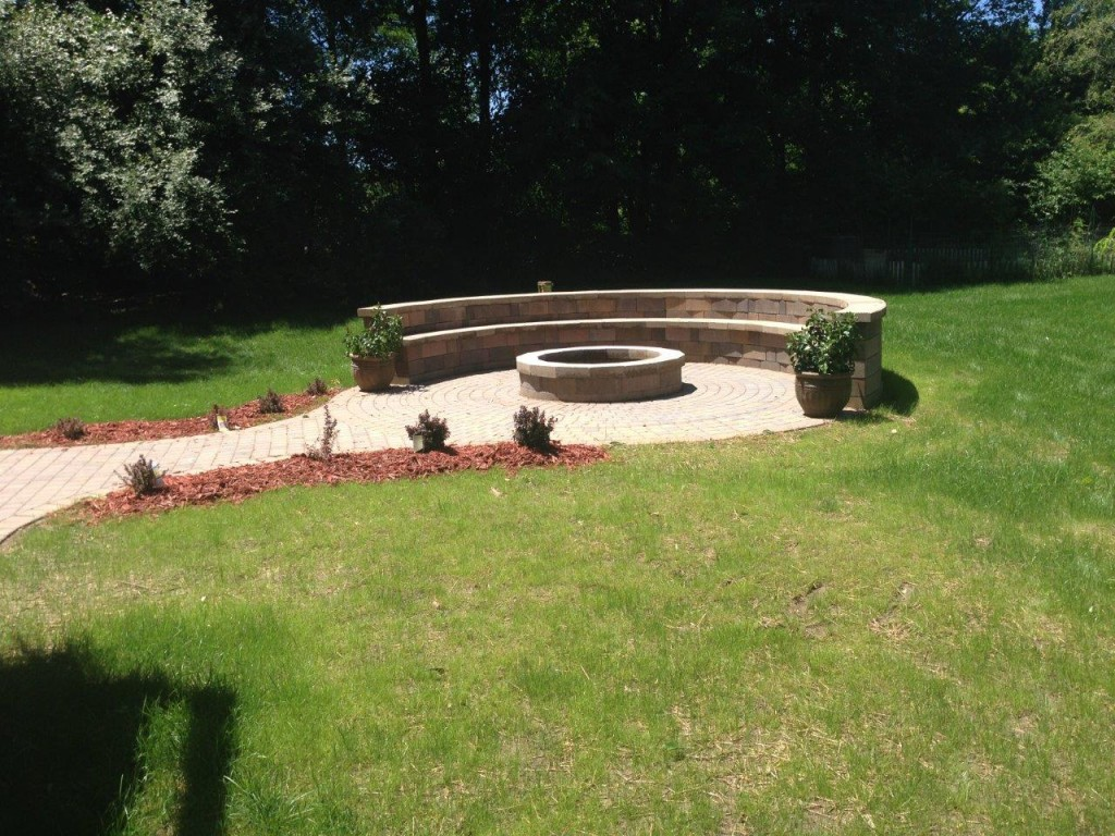 Fire Pit Area with Retaining Wall