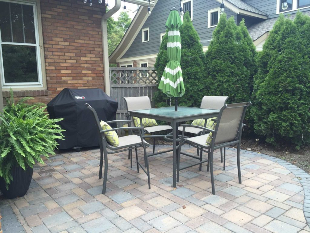 Quaint Dining Patio