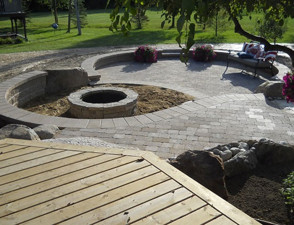 Brick paver backyard patio landscape