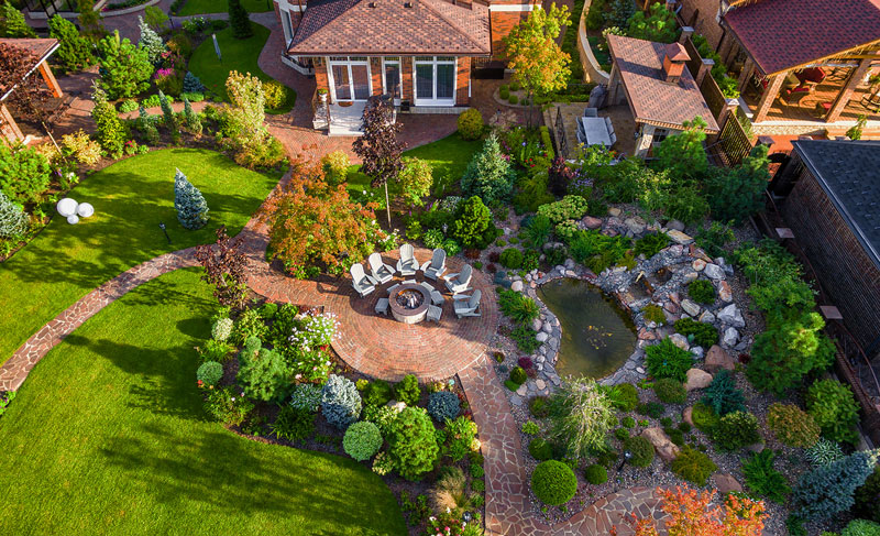 Beautifully maintained high end landscaping from Twin Oaks Landscape