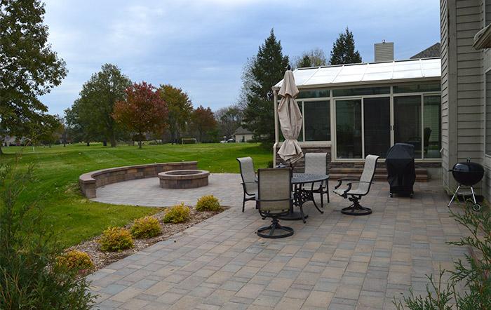 Backyard Paver Patio and Dining Area